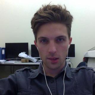 Jesse's tinder account profile photo on tinderwatch.com