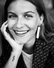 Amalie's tinder profile image on tinderstalk.com