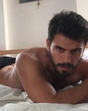 Rafael's tinder profile image on tinderstalk.com