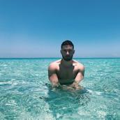 Ioannis's tinder profile image on tinderstalk.com