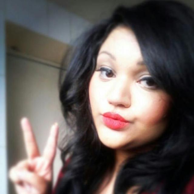 Pooja's tinder account on tinderstalk.com
