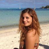 Allison's tinder profile image on tinderstalk.com
