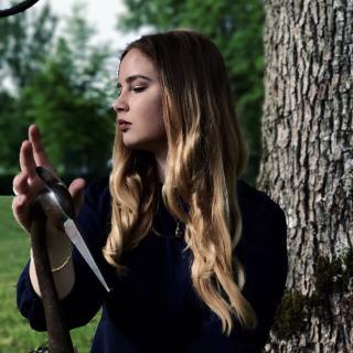 Renāte's tinder profile image on tinderwatch.com