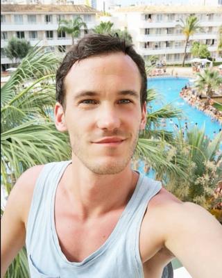 Andy's tinder profile image on tinderwatch.com