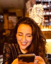 Francesca's tinder profile image on tinderstalk.com