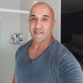 Alexandre's tinder profile image on tinderwatch.com