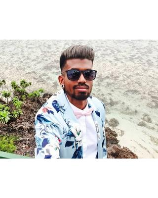 Kalana's tinder account profile photo on tinderwatch.com