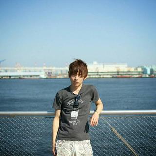 Yoshizumi's tinder user account on tinderstalk.com