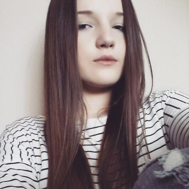 Justyna's tinder account profile image on Tinderviewer.com
