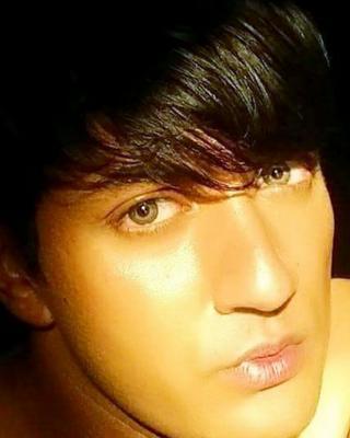 Mohamed's tinder profile image on tinderwatch.com