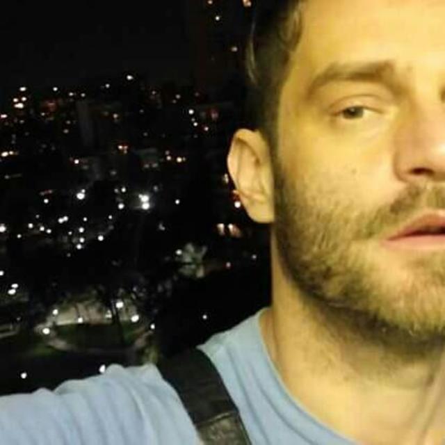 Juan's tinder account profile image on Tinderviewer.com