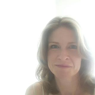 Jeanette's tinder account profile photo on tinderwatch.com