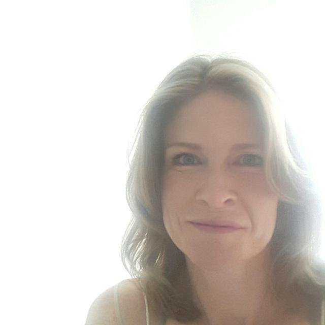 Anne's tinder account on tinderstalk.com