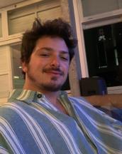 Tiago's tinder profile image on tinderstalk.com
