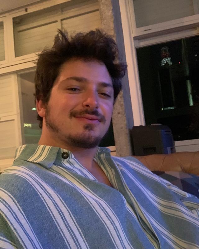 Tiago's tinder account on tinderstalk.com