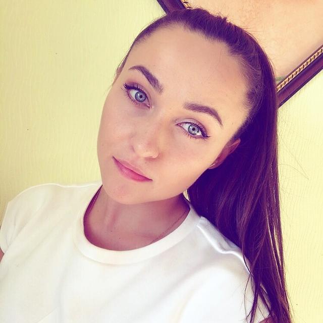 Olga's tinder account on tinderstalk.com