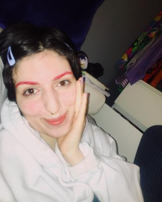 Cami's tinder profile image on tinderwatch.com