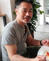 Yoshio's tinder profile image on tinderstalk.com