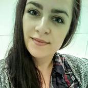 Lisi's tinder profile image on tinderstalk.com