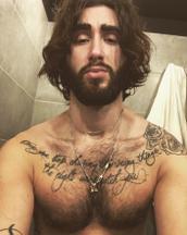 Luca's tinder profile image on tinderstalk.com