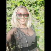 Ashley's tinder profile image on tinderstalk.com