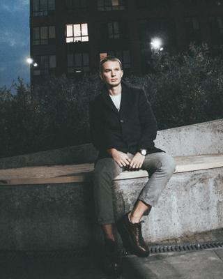 Влад's tinder account profile photo on tinderwatch.com