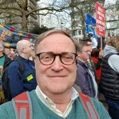Clive's tinder profile image on tinderstalk.com