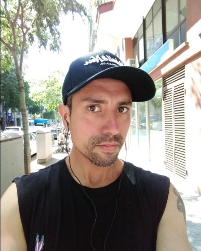 Daniel's tinder account on tinderstalk.com