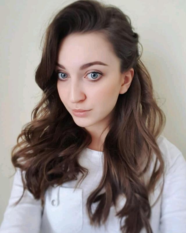 Zuzanna's tinder account on tinderstalk.com