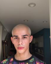 Shannon's tinder profile image on tinderstalk.com