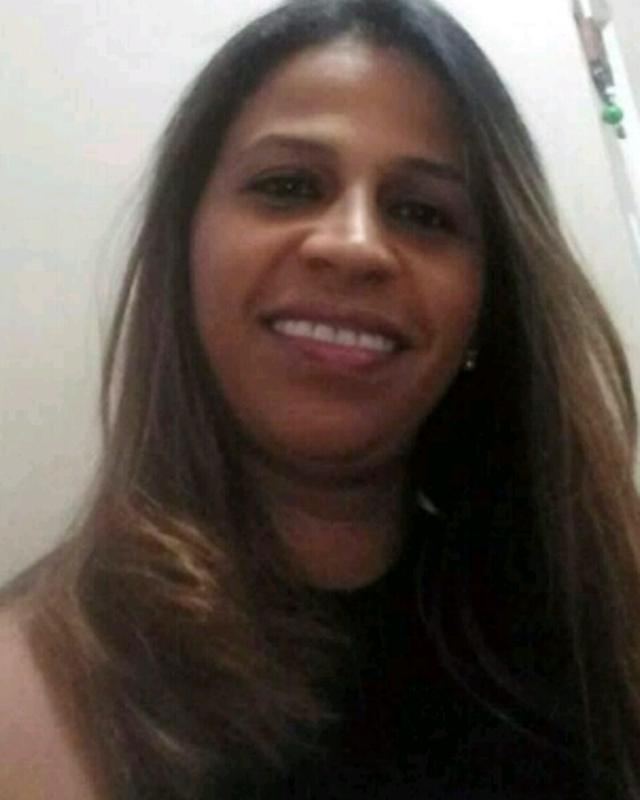 Juliane Oliveira's tinder account on tinderstalk.com