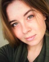 Юлия's tinder account profile photo on tinderwatch.com
