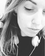 Becca's tinder profile image on tinderstalk.com