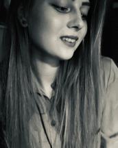Joana's tinder profile image on tinderstalk.com
