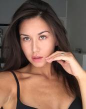 Anastasia's tinder profile image on tinderstalk.com