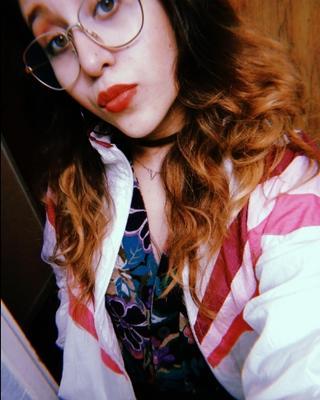 Vica's tinder profile image on tinderwatch.com