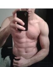 Pauly's tinder profile image on tinderstalk.com