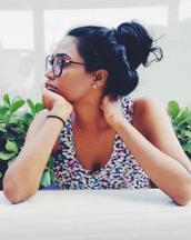 Manasa's tinder profile image on tinderstalk.com
