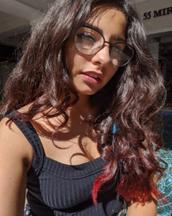 Erika's tinder profile image on tinderstalk.com