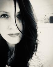 Anna's tinder profile image on tinderstalk.com