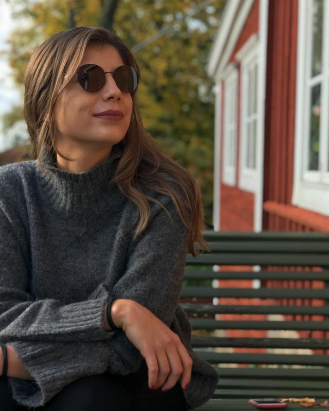 Carmen's tinder account on tinderstalk.com