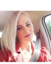 Martina's tinder profile image on tinderstalk.com
